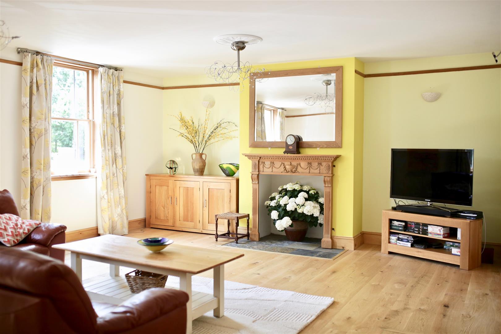 Ettington_Living_Room_2020.jpg